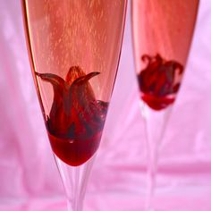 Hibiscus Champagne Cocktail, fits a country feel, but exotic pleasures!