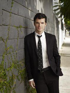 PLL Season 3 promo picture Ezra