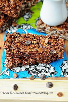 10 Minute NO BAKE Maple Chocolate Cinnamon Granola Bars   #granolabars #chocolate #cinnamon #maple