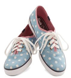 polka dot sneakers  http://rstyle.me/n/iyqzdpdpe