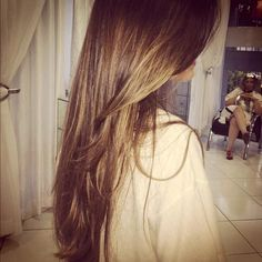 light bown hair with golden highlights