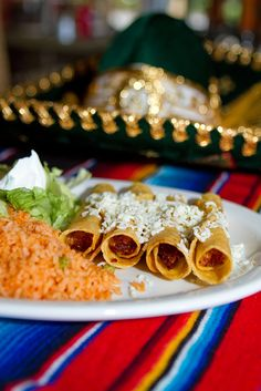 mexican food, tacos dorados, fried tacos, yummy!!