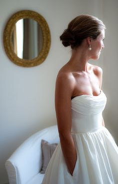 wedding dress with pockets?