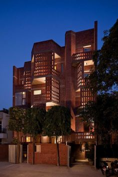 The architects try to revive the streetscape with a building that is a reference to the 15th century Islamic medieval architecture in Delhi, India:  http://www.archello.com/en/project/defence-colony-residence  #Architecture #Design #Delhi