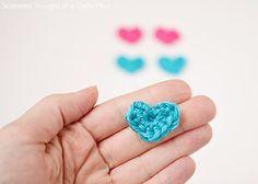 DIY: tiny crochet hearts