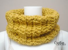 FREE pattern for the Chunky Ribbed Cowl #cre8tioncrochet