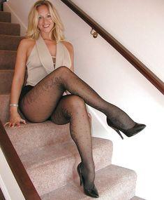 kiss, stair, sexi leg, beauti leg, art