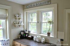Cafe & Bakery sign