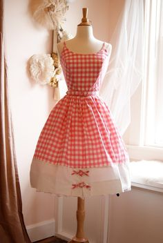 Vintage 1950s Pink and white gingham checked summer dress