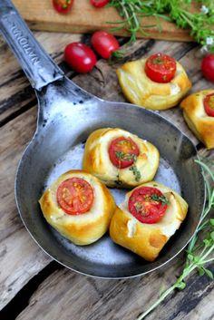 Haniela's: Soft Pretzel Tomato Bites