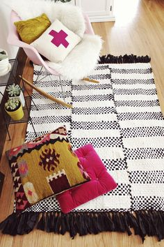 Learn to make this hand woven rug!