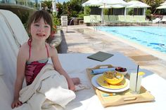 Poolside dining at Four Seasons Los Angeles at Beverly Hills. That mac and cheese is delish!