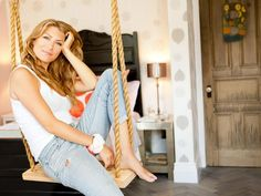 Getting in the Swing - Genevieve Renovates an 1850s New York Brownstone on HGTV