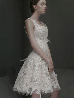 I love this dress!/ SANDRA Y VERONICA WEDDING PLANNERS