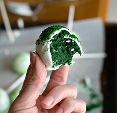 st. patricks' day cake pops