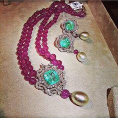 Farah Khan jewelry- via Instagram
