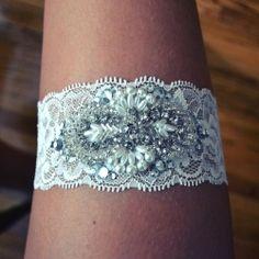Make this gorgeous, DIY wedding garter in just four easy steps! (Photo via Ren Ariel Sano).