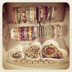 bracelets<3 OMG in love