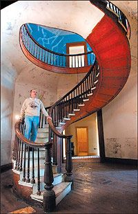 Circleville Ohio's Octagonal Home Stairwell