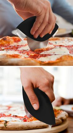 Pizza cutter with crust blades