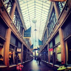 Nickels Arcade is a great place to grab coffee or meet up with friends on campus between classes!