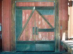 barn doors, rustic barn, koslow brasadaranch