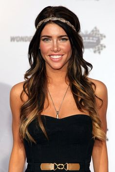 perfect ombre. I want to do this when my hair gets long again!