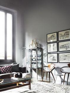 Matta vardagsrum grå soffa