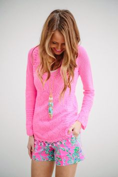 Lilly Pulitzer Athena Tunic Sweater & Callahan Short in Southern Charm worn by @Sarah Chintomby Chintomby Tucker