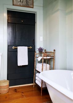 7 Simple Ways to Renovate Your Rental's Bathroom via @domainehome