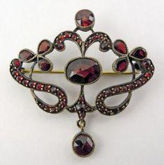 Lovely garnet brooch, 1900.