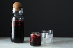 10 Drinks for Any Party -- Mixed Cocktail Recipes