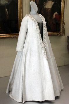 "Robe volante (in German called ""Kontusch""), 1700; Germanic National Museum in Nuremberg"