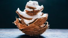 There's a reason coconut oil is so trendy these days. From taming frizz to moisturizing dry skin, this natural ingredient has a wide range of beauty-boosting properties.