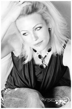 Lindseyy. Photo done by Cindy A Joubert-Kelly, Dreaming Lizard Studio
