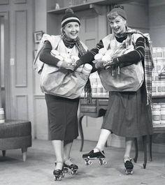sitcomsonline.com- delivering Aunt Martha's dressing