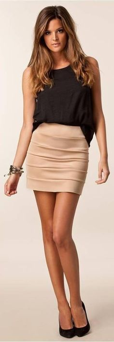 simple but pretty.....I love the skirt and top. Ideal for my next #crossdresser nite out!