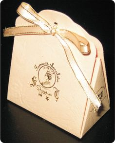 Triangle gift box template