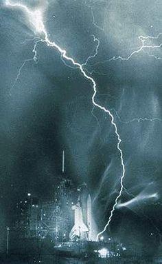 Lightning strike near the US space shuttle.