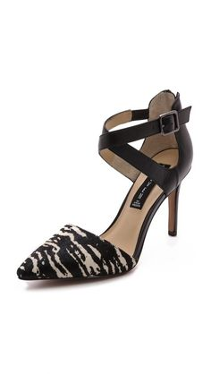 Hot Steve Madden pumps and they look way more expensive than they are
