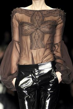 Givenchy † #goth #hautegoth #gothic #fashion #couture #gothaesthetics #runway #catwalk #fashionshow #Givenchy
