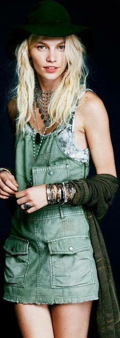 Modern boho chic street style, jumper & gypsy coin necklace with stacked hippie bangle bracelets. For the BEST Bohemian fashion style ideas FOLLOW http://www.pinterest.com/happygolicky/the-best-boho-chic-fashion-bohemian-jewelry-gypsy-/ now.
