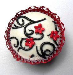 red black & white Cupcake