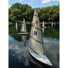 A #classic New York experience: racing #sailboats in Central Park. Photo courtesy of studiomimi on Instagram.