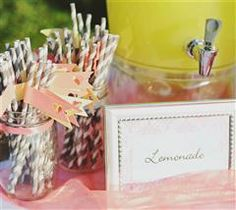 These fun drink flags will help add an extra touch to your wedding!