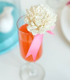 Balsa Wood Flower Stirrers | Confetti Popthis would be perfect for lazy  decorators for the dining table centerpiece