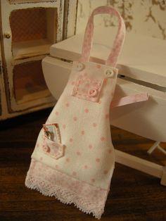 dollhouse apron