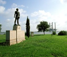 "The location of a significant Civil War battlefield, Sabine Pass Battleground State Historic Site honors a small band of heroic Confederate soldiers that defeated four Union gunboats and prevented Union forces from penetrating the Texas interior in 1863. The site features a stately bronze statue of Confederate Lt. Richard ""Dick"" Dowling, who led the 46 men to victory, and an interpretive pavilion illustrating the story of the battle."