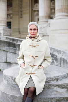 white hair, fashion, aging gracefully, silver hair, age, street styles, beauti, winter coats, old ladies