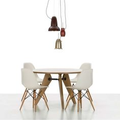 Chaises et fauteuils on pinterest egg chair armchairs for Chaise dsw vitra